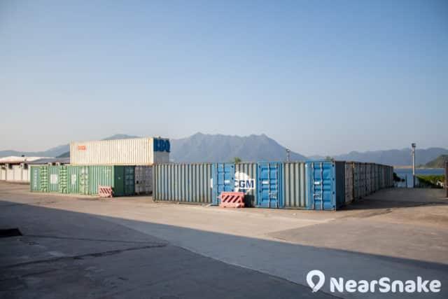 白石面臨吐露港,大家可在此遠眺八仙嶺景色。