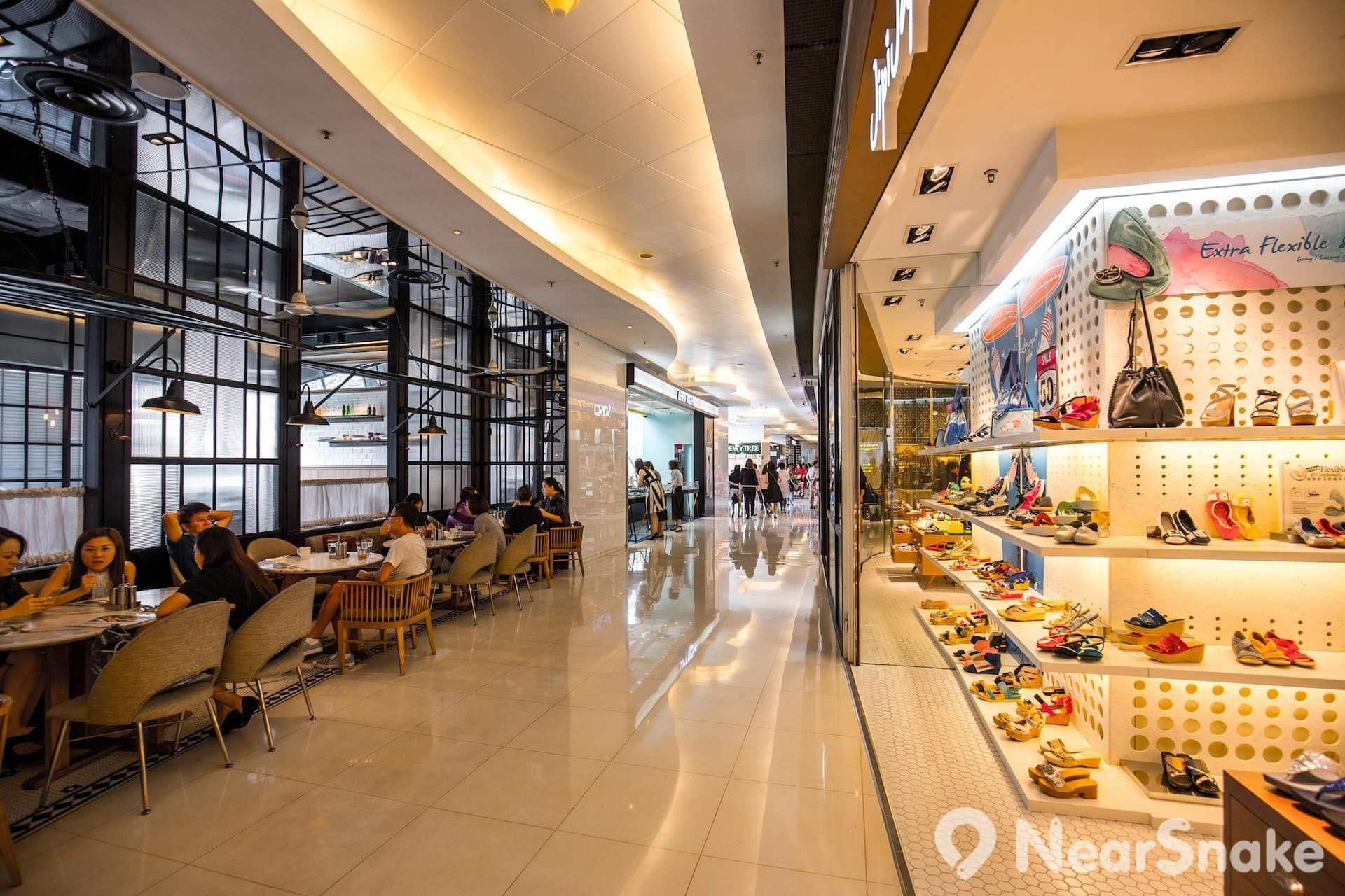 apm 商場內部分餐廳的營業時間可達凌晨 2:00。