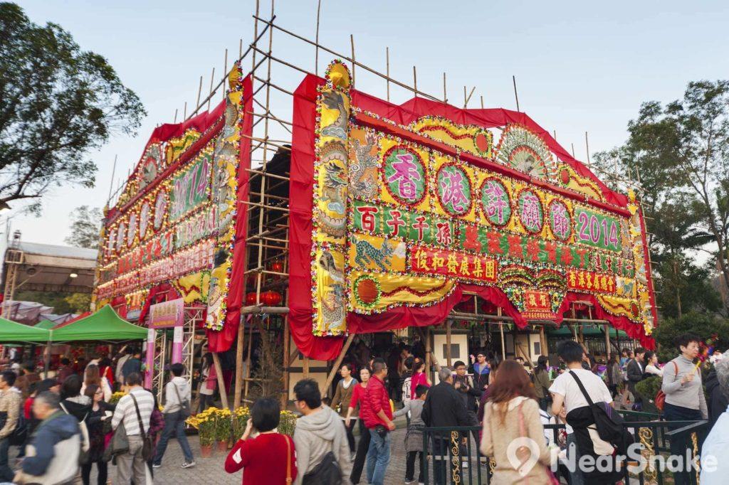 農曆新年期間,大埔林村會在許願樹旁舉行「香港林村許願節」,為現場增添嘉年華般的節慶氣氛。