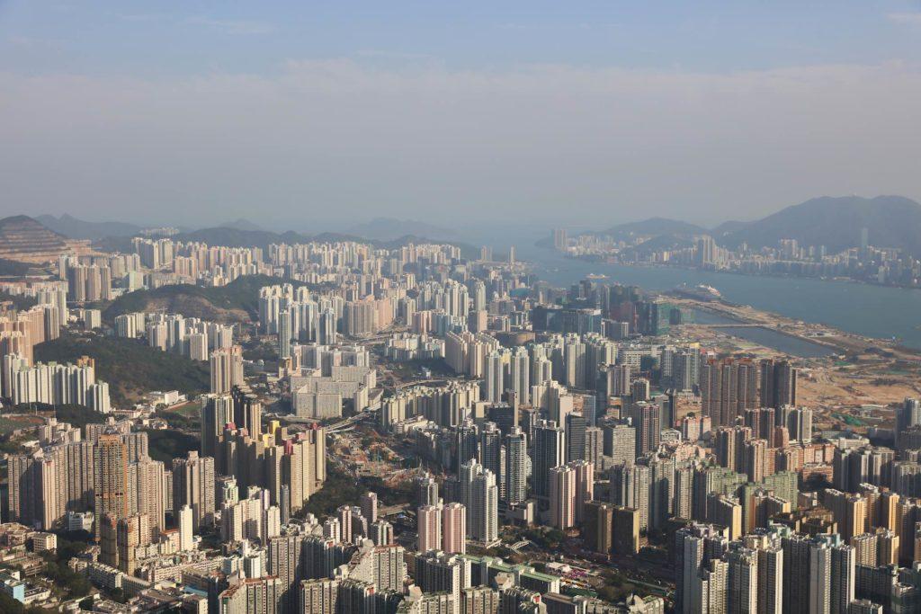獅子山上可俯瞰九龍全景,甚至連香港島也可遠眺。