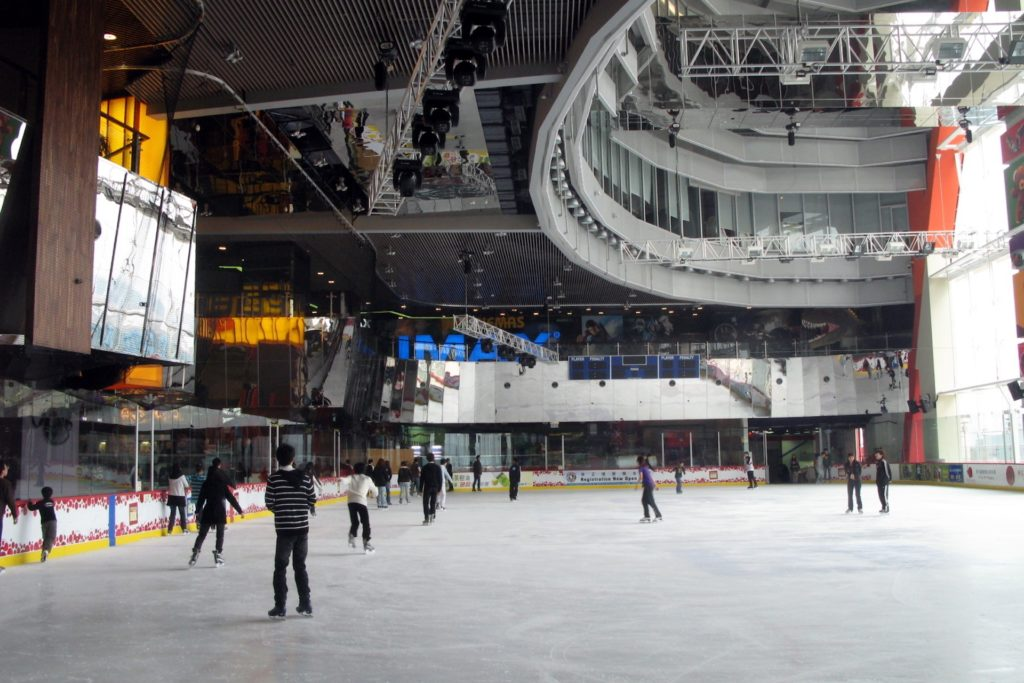 Megaice 是全港首個達國際級賽事標準的溜冰場。