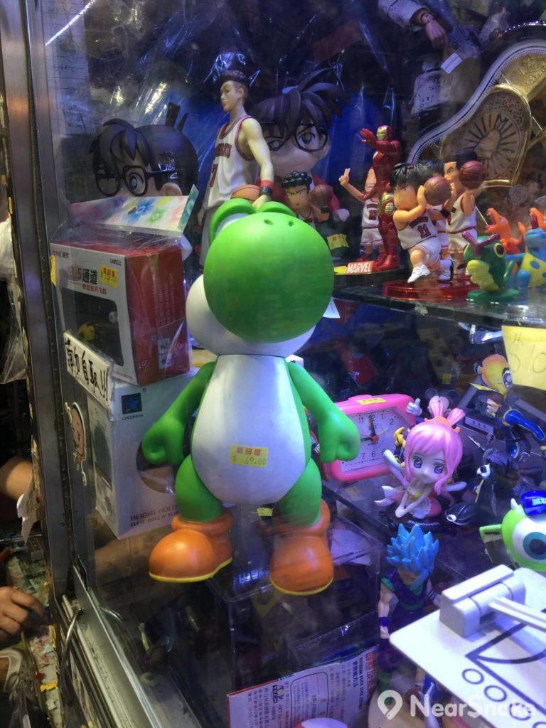 太原街玩具店內不少玩具均以十分便宜的價格出售。