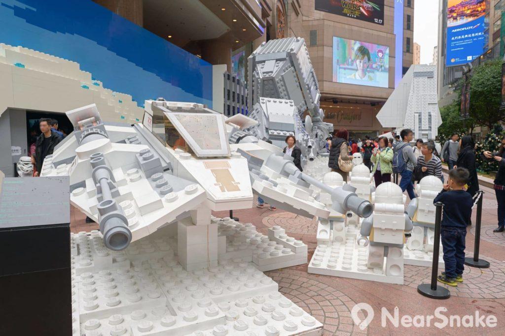 銅鑼灣時代廣場經常舉辦不同類型的展覽活動,如圖中便是以《Stars War(星球大戰/星際大戰)》作主題的 LEGO 樂高積木模型展覽。未知 LEGO 旗艦店進駐時代廣場,商場會否再多辦幾次 LEGO 模型展以壯聲勢?