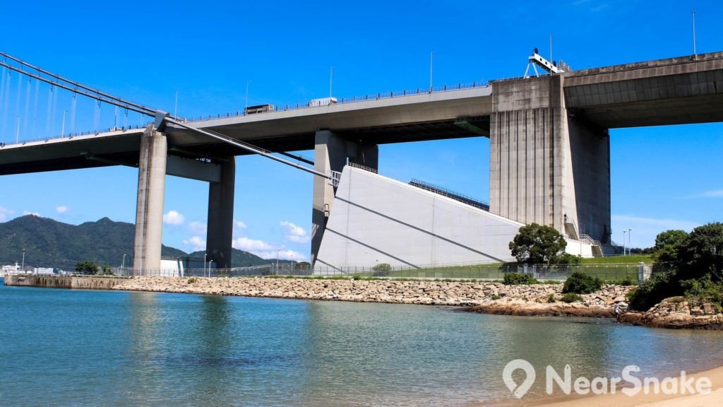 青馬大橋結構穩固,每條主纜可產生 5 萬公噸拉力。