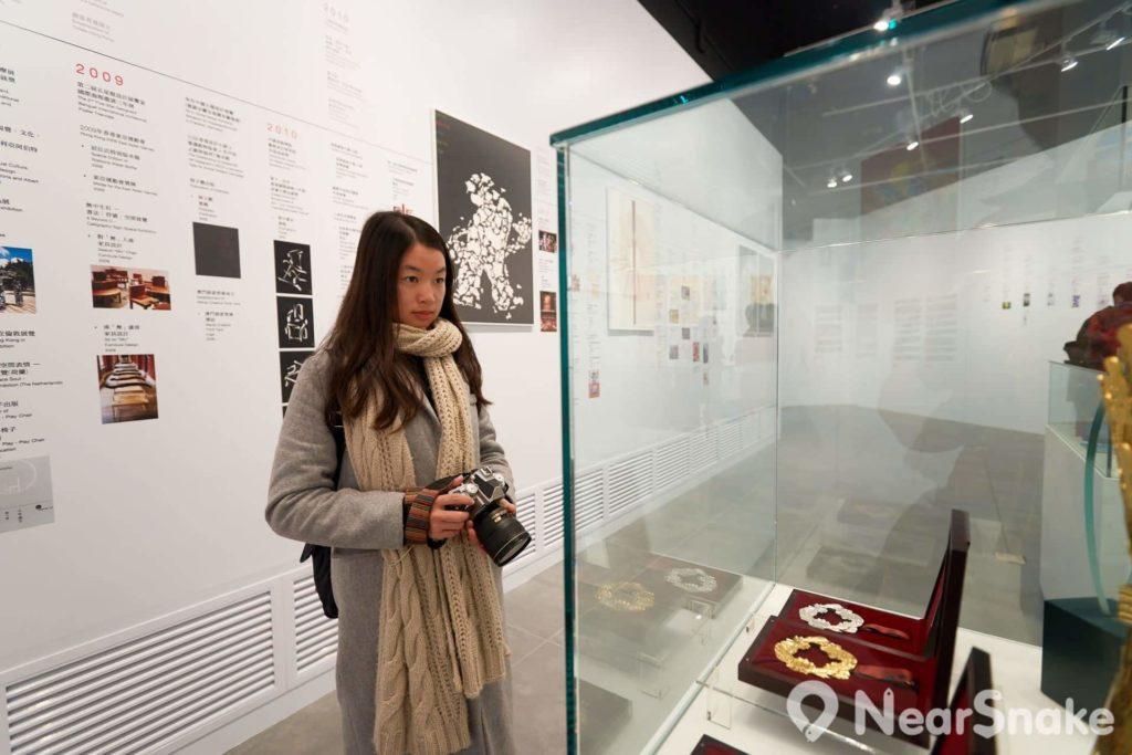 香港文化博物館內設有 12 個展覽館,包括常設展覽館和專題展覽館。