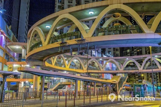 怡和街圓形天橋 縮圖