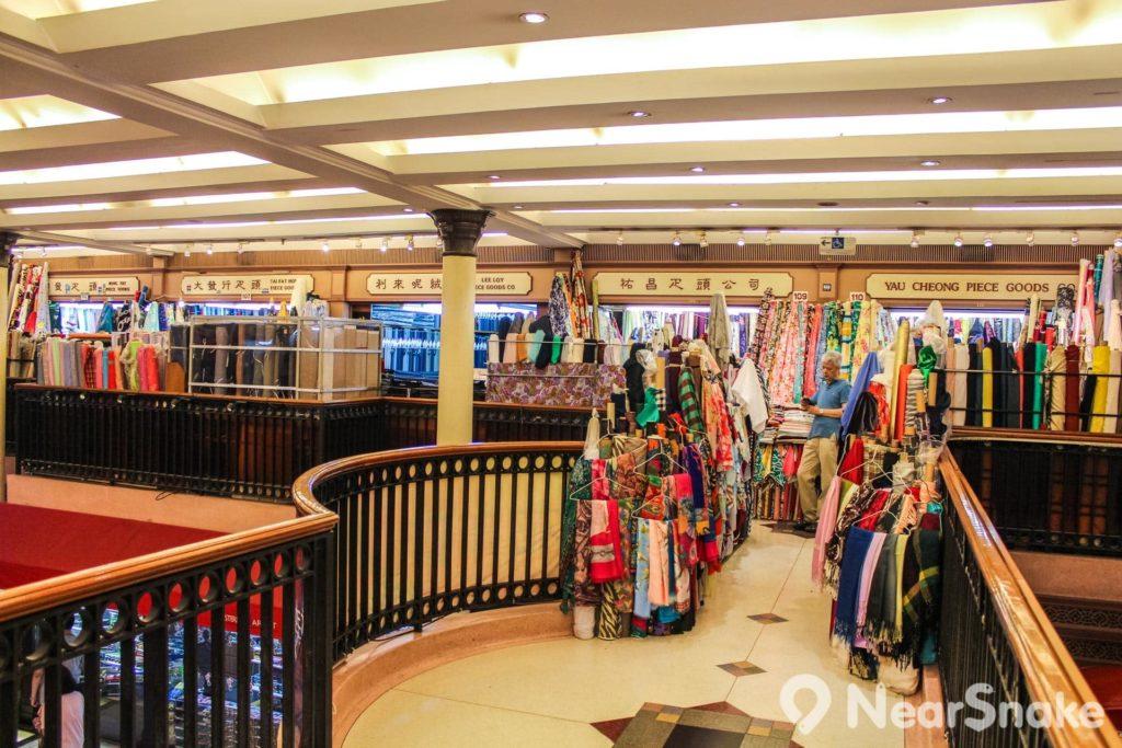 西港城被打造成具香港傳統行業特色的工藝品中心。