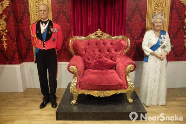 英國女王伊莉莎白二世(Elizabeth II)與其王夫菲利普親王,愛丁堡公爵(Prince Philip, Duke of Edinburgh)