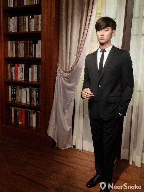 金秀賢憑神劇《來自星星的你》獲得韓國電視劇大獎最高演技大賞、東京國際電視劇節最佳亞洲演員賞,更成為百想藝術大賞 50 年首位影視人氣雙料得主,紅遍整個亞洲。