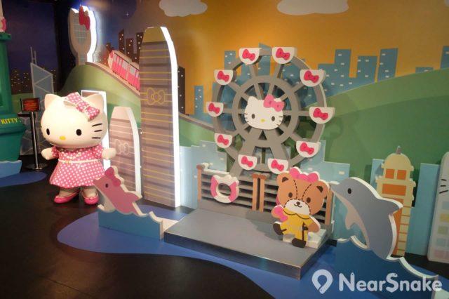 杜莎夫人蠟像館內不但有充滿剛陽氣的鐵甲奇俠,還有嬌柔可愛的 Hello Kitty(吉蒂貓或凱蒂貓)。