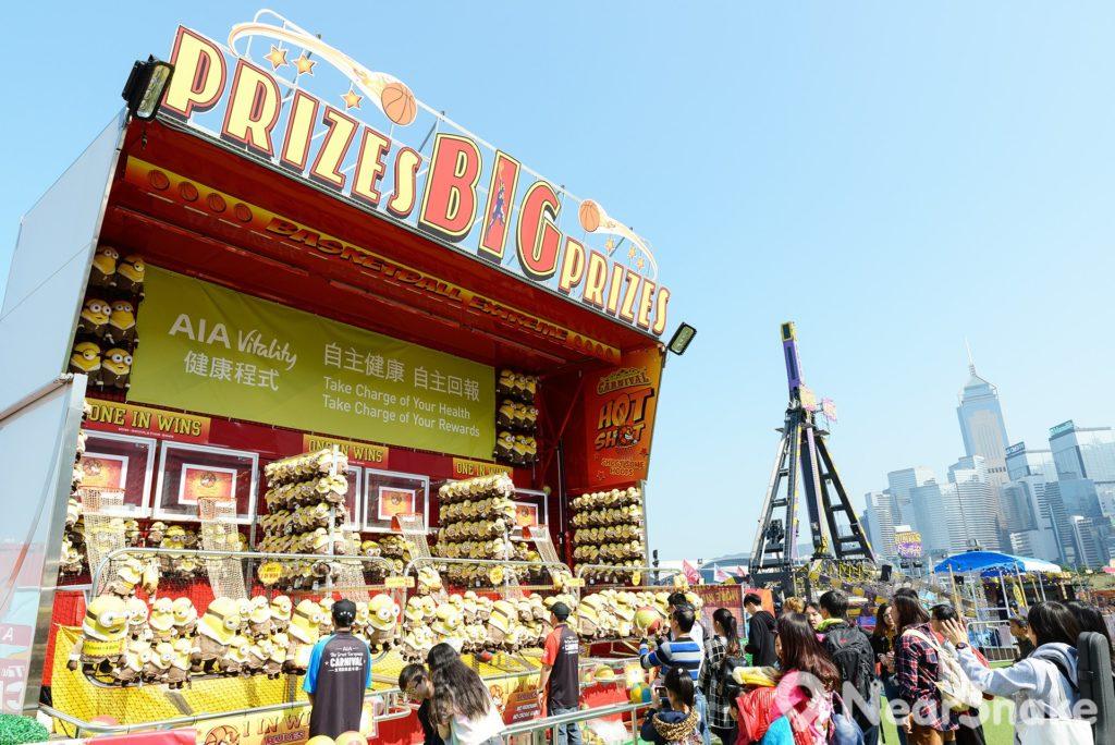 AIA 嘉年華攤位遊戲適合一家大小,主辦單位預備了超過100萬隻毛公仔等待遊客帶回家!
