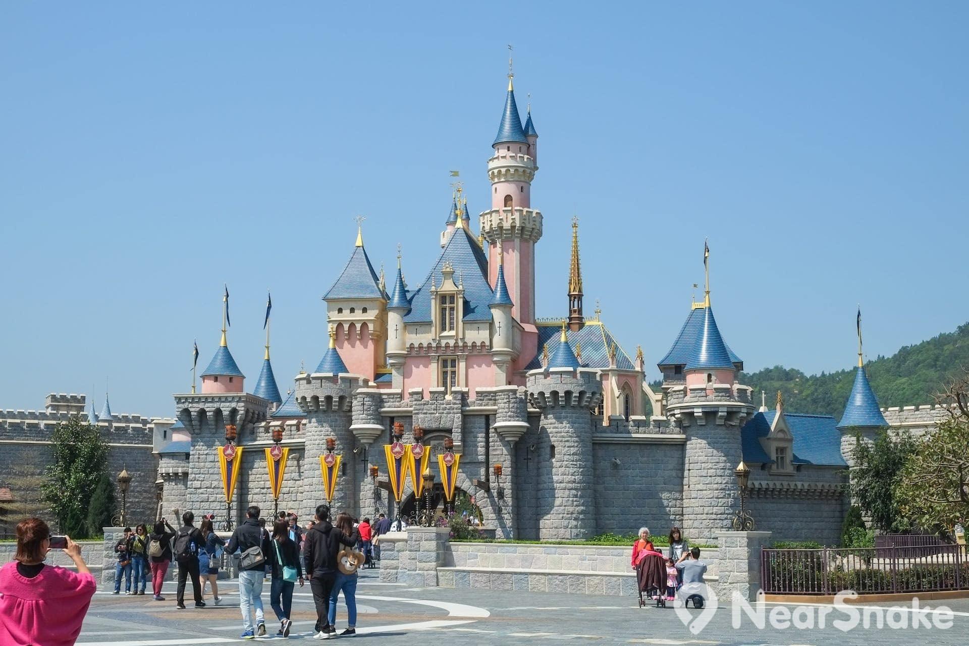 城堡是迪士尼樂園的標誌性建築。