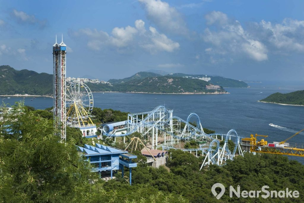 各式機動遊戲是香港海洋公園主要賣點之一。