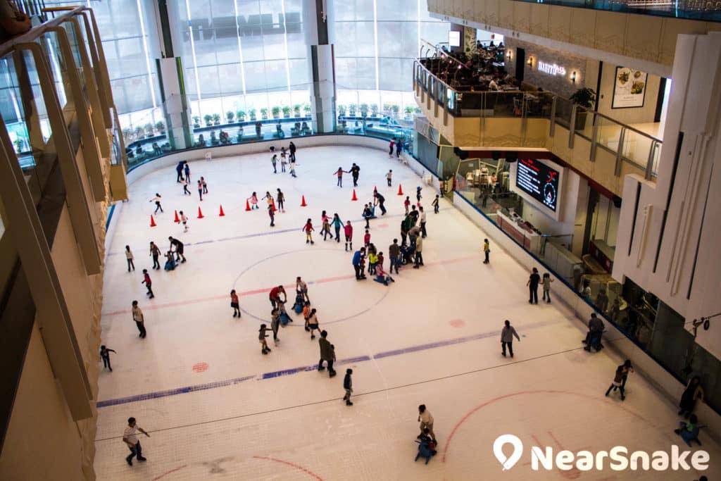 圓方 Elements 溜冰場 The Rink 是圓方特色設施之一。
