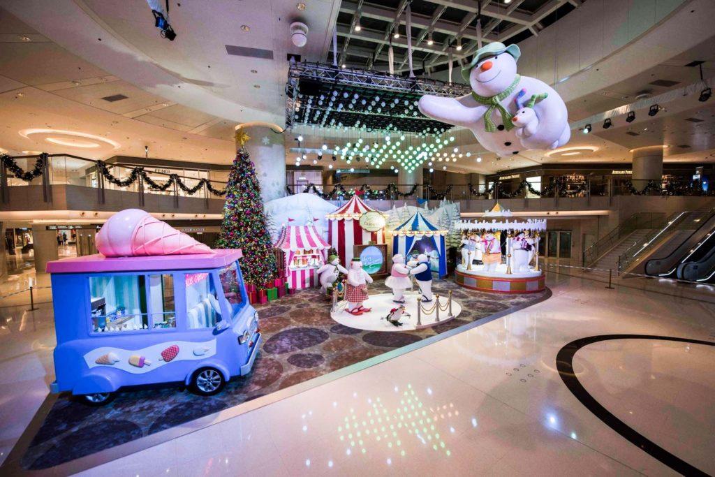 得獎童話《雪人與雪狗》聖誕裝置已登陸圓方(Elements)金區,為訪客締造濃濃的節日氣氛。