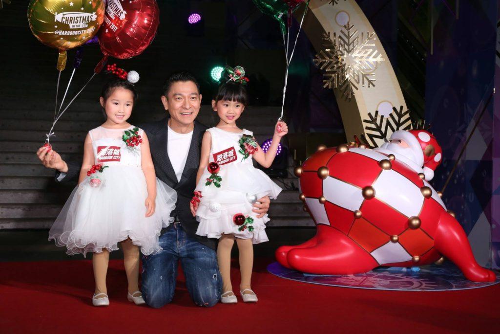香港藝人劉德華出席海港城商場舉行的聖誕亮燈儀式。