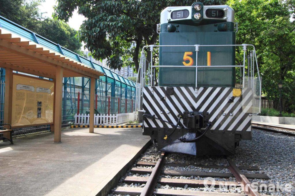 鐵路博物館戶外部分擺放了舊式火車,重現當年的交通面貌。