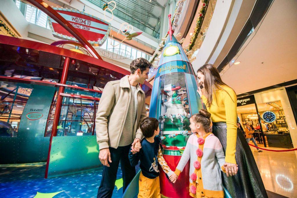 國際金融中心商場(ifc mall)節慶活動 Christmas in Space 以外太空為主題,讓各位星際旅客享受充滿活力的聖誕。