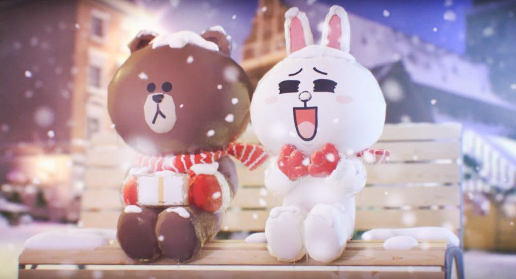 雖然熊大的樣子比較呆滯,沒有表情,不過他的女朋友 Cony(兔兔)每次看到他都會笑成月亮眼睛。