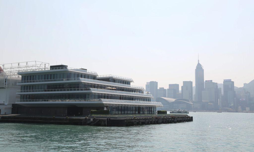 「海運觀點」樓高 5 層,由國際建築師事務所 Foster + Partners 設計。
