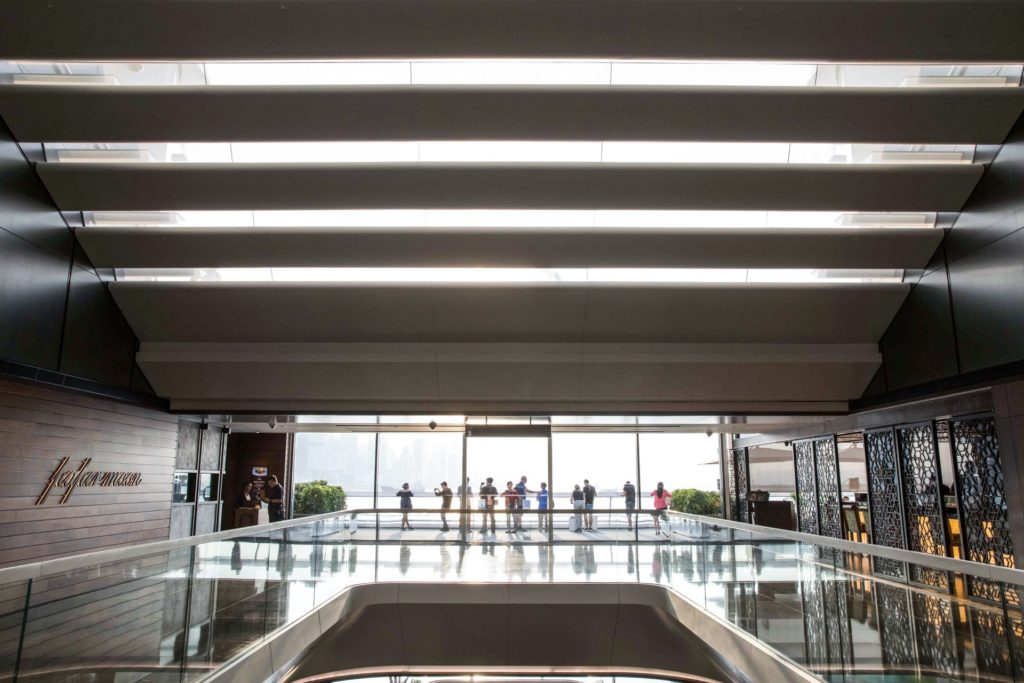 海運大廈新擴建大樓設計採用大量自然光照明。