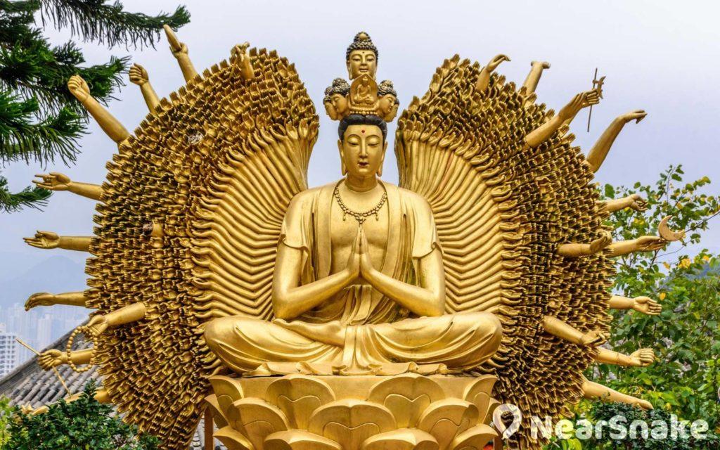 千手觀音像是寺內其中一個大型雕像。