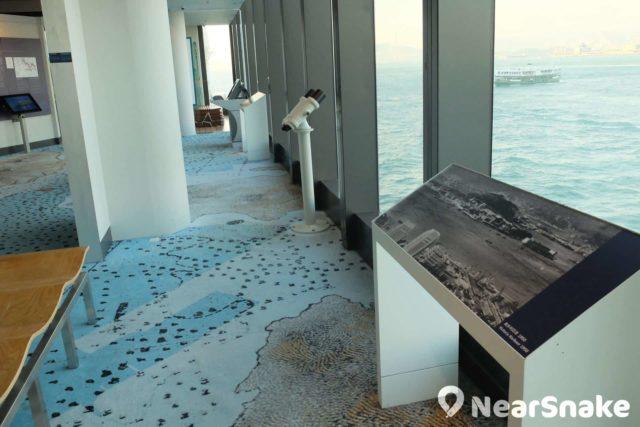 香港海事博物館 B 層設有免費的瞭望台,不過望遠鏡的高度只合小朋友使用。