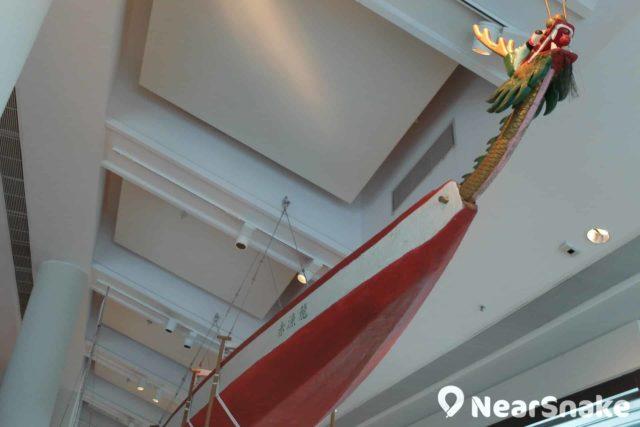龍舟當然也是香港海事的一部分,香港海事博物館有詳細介紹實是合情合理。