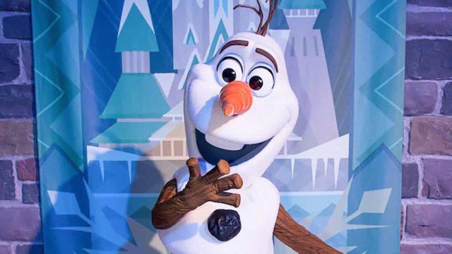 感受雪中聖誕過後,又怎能錯過與雪人小白(Olaf)及《魔雪奇緣(Frozen)》角色近距離會面呢!