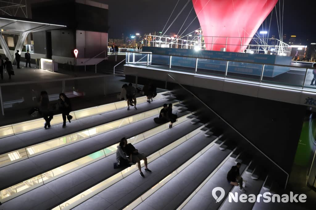 海港城海運觀點上的戶外梯級式看台適合舉辦多元化表演及活動。