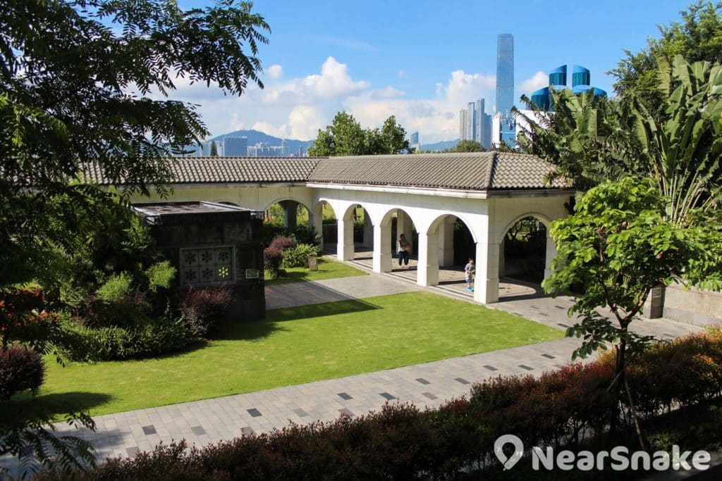 中山紀念公園的建築設計有點香港大學建築群的影子。