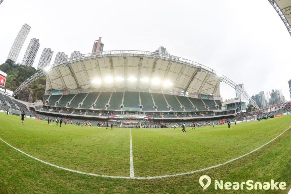 香港大球場草地的保養問題,一直備受爭議。