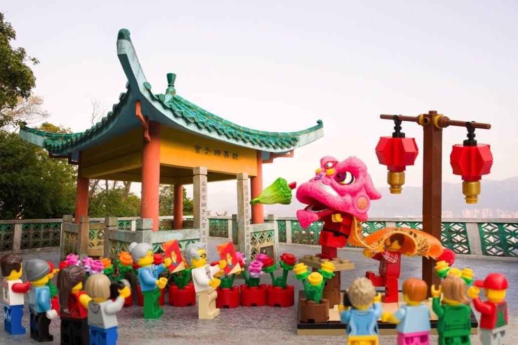 LEGO minifigures 沙田地標景點:獅子山上的獅子亭