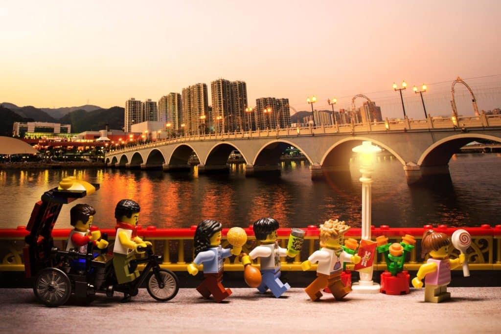 LEGO minifigures 沙田地標景點:沙田城門河上的瀝源橋