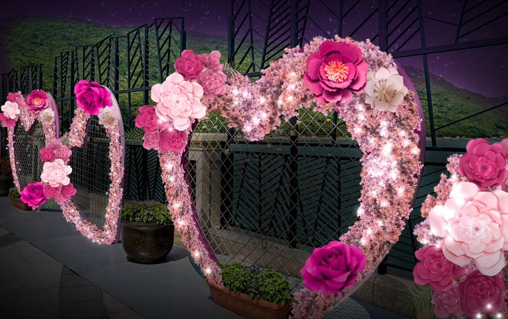 愉景灣海濱心鎖長廊將加設桃花與牡丹裝飾點綴,讓情侶於藍天碧海的見證下,扣上愛的承諾。