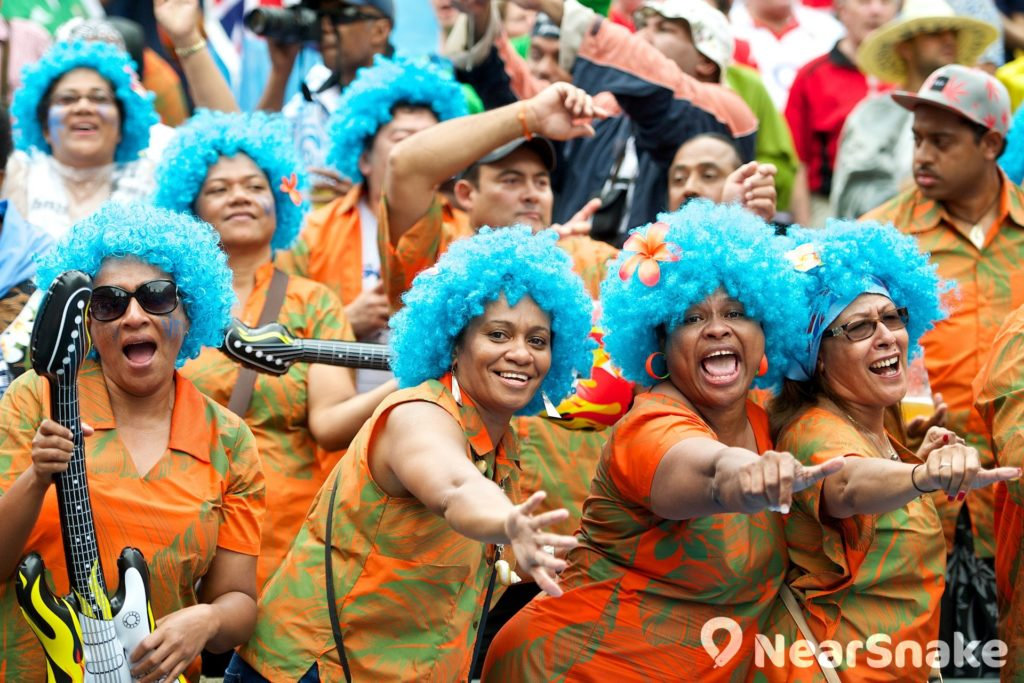 不少觀眾都悉心照顧打扮入場,令國際七人欖球賽變成普慶狂歡的嘉年華。