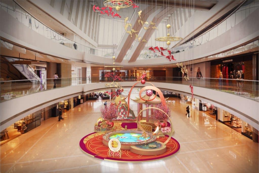 ifc 商場新春主題「beautiful: spreading blessings」以錦鯉為主題,揉合中國傳統及科技,讓您置身於充滿現代感的祝願池及新春佈置。