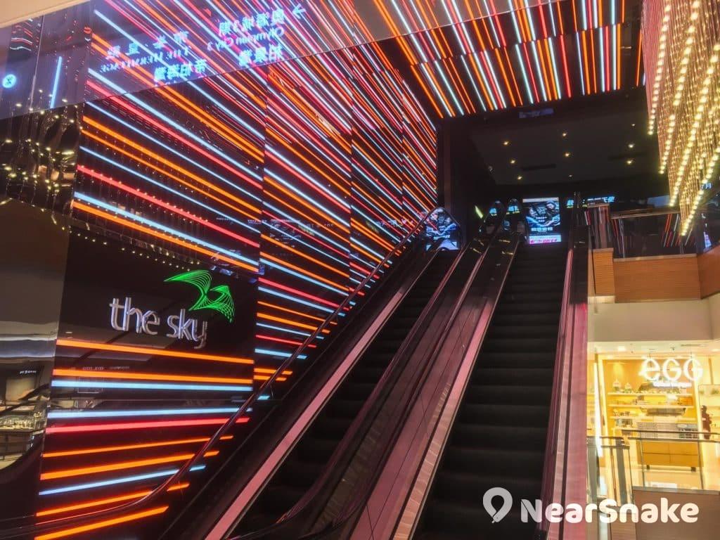 奧海城 the sky 電影院內設 6 間影院,合共 951 個座位。