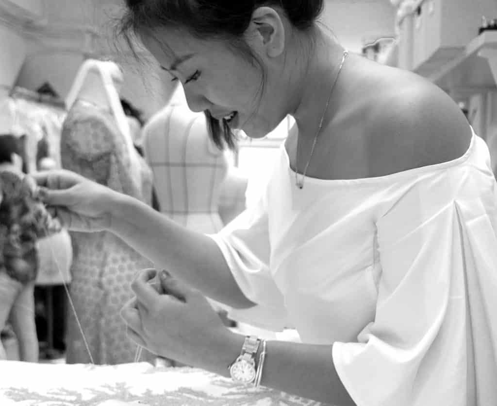 Popcorn 請來時裝設計師 Ms Melissa Bui 開設「刺繡製作工作坊」,親身教授刺繡技巧。