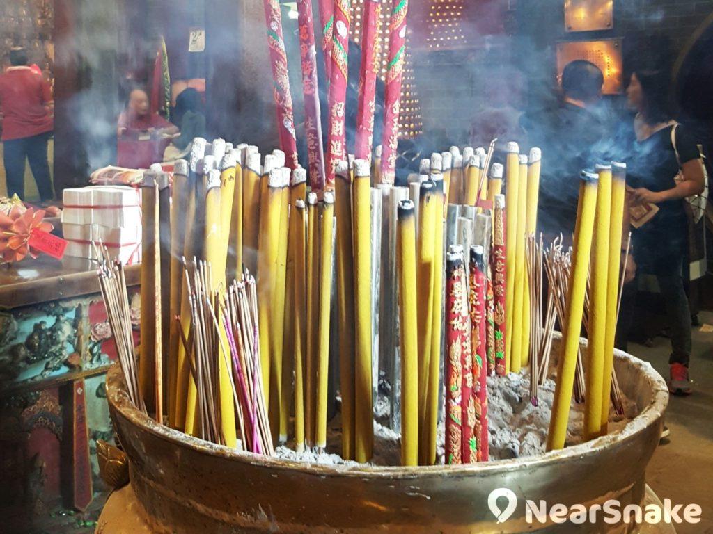 每逢到了觀音誕和觀音借庫的日子,紅磡觀音廟便會變得香火鼎盛。