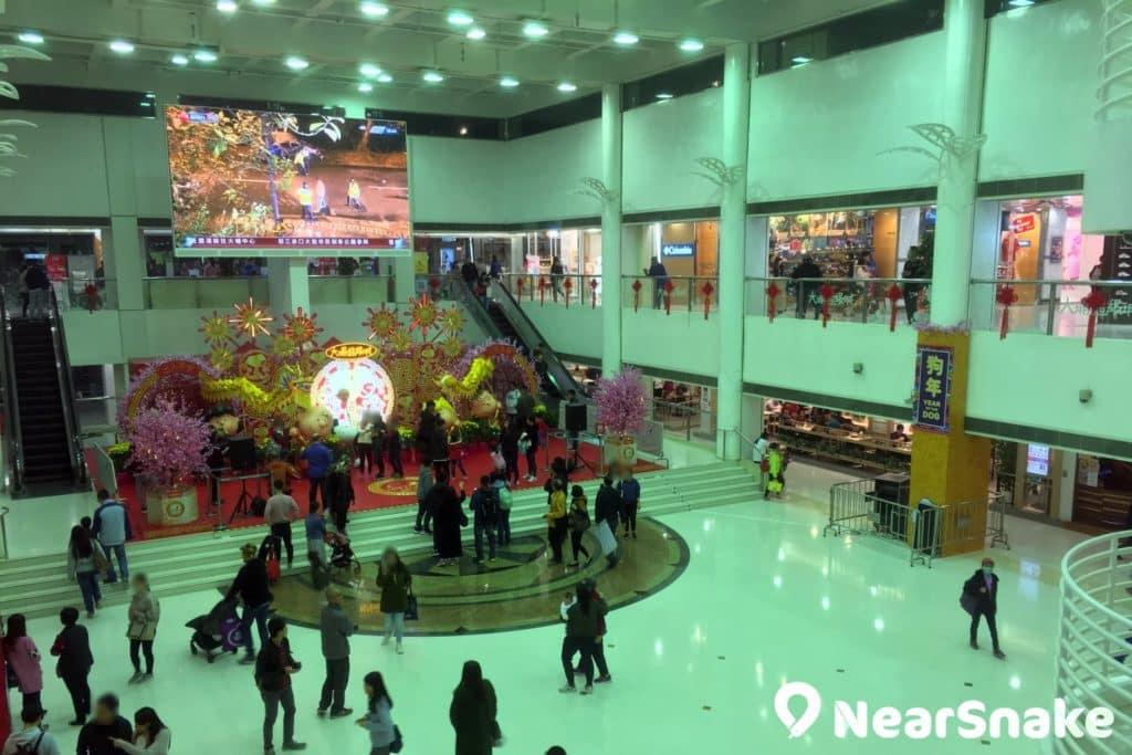 大埔超級城 C 區中庭設有舞台,每逢大型節日都會舉行活動或邀請明星表演。