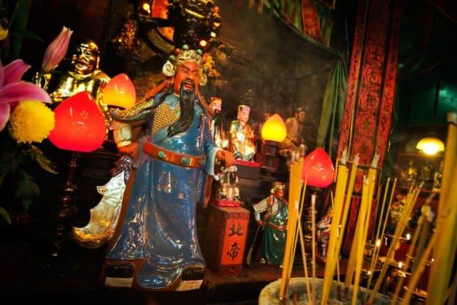 油麻地天后廟除天后娘娘外,還供奉了關帝聖君。