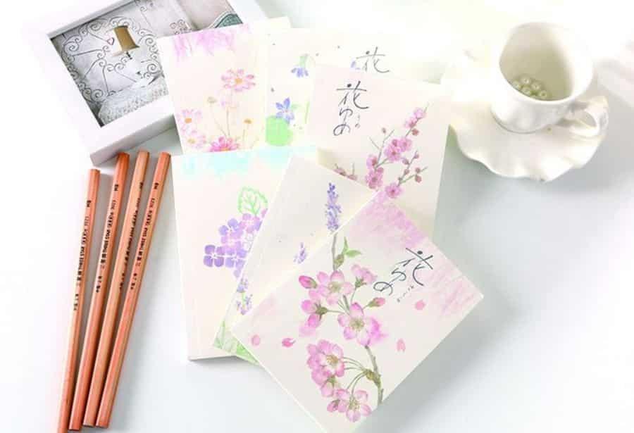 大家在《花說 II》週末市集即場讚好 Colon Pro 臉書專頁即獲贈送花之筆記本。