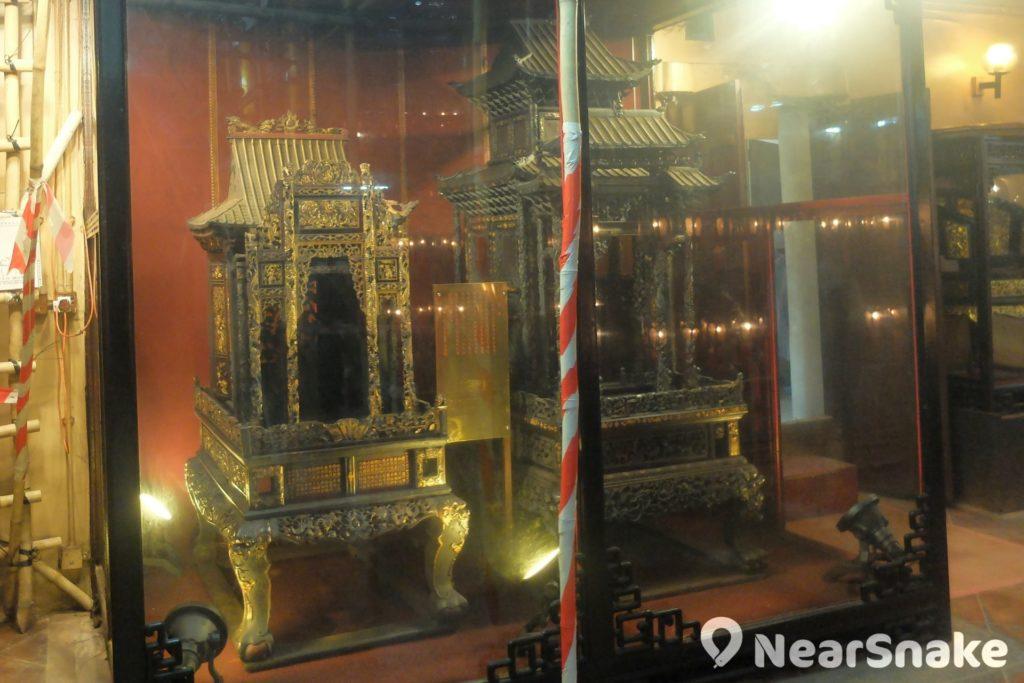 上環文武廟一旁的神橋已有百年歷史,從前大時大節之時,用作盛載神像出外供村民祭拜。