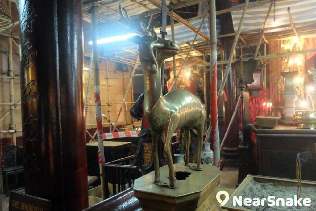 撇開神像或歷史文物,上環文武廟內也有不少中國傳統工藝雕刻。