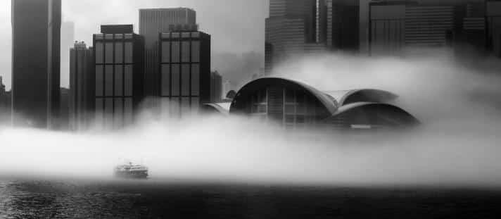 「香港地」組別第一名作品:晨霧 拍攝地點:維多利亞港 得獎者:李世傑