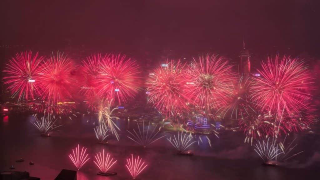 天際100「農曆新年煙花匯演套票」正於其官網上發售。