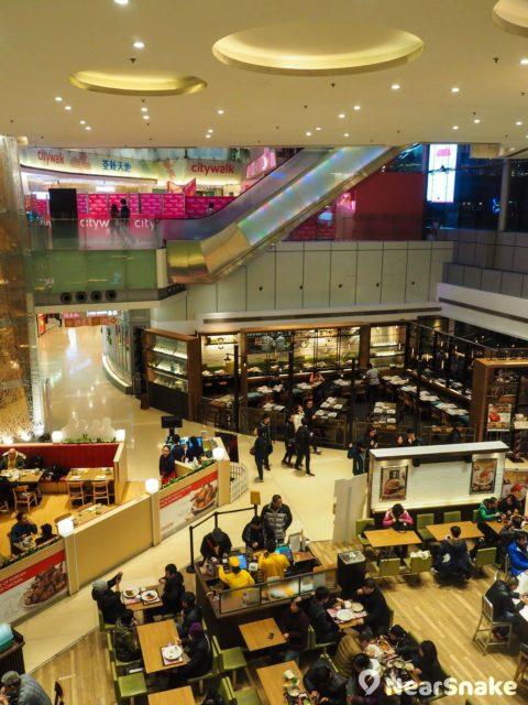 荃新天地 LG 樓層的食肆採取開放式設計,超高樓底令用餐體驗更舒暢。