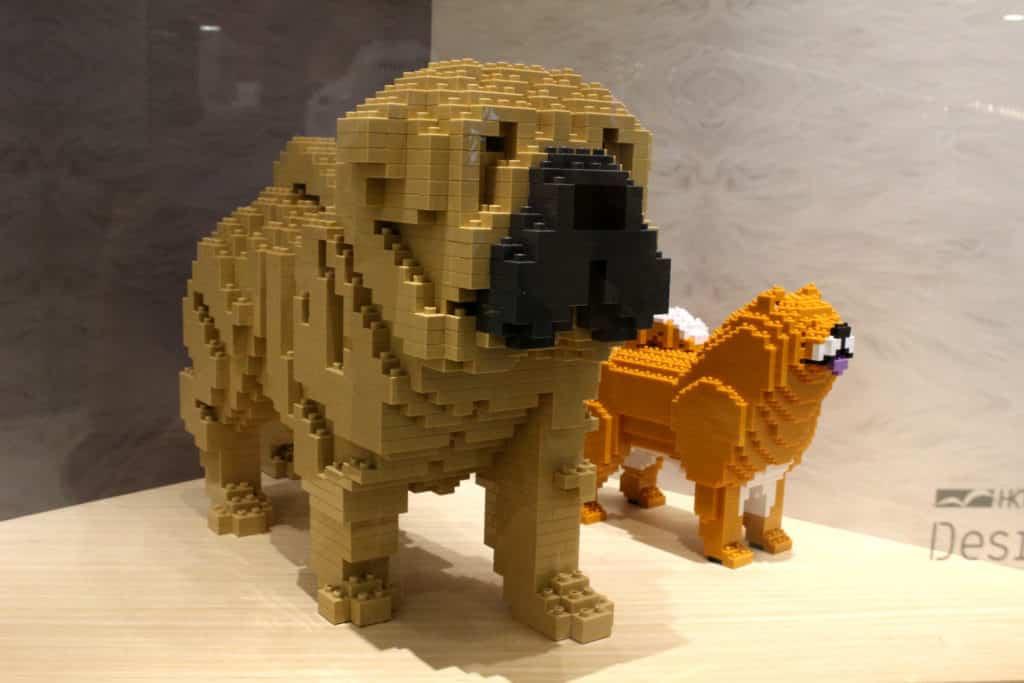 JEKCA-BIG BRICK WORLD 展覽作品:八哥犬