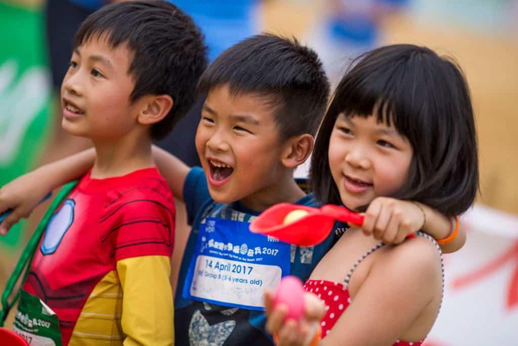 愉景灣歡迎 3 至 10 歲的小朋友一起來到大白灣沙灘掘蛋。